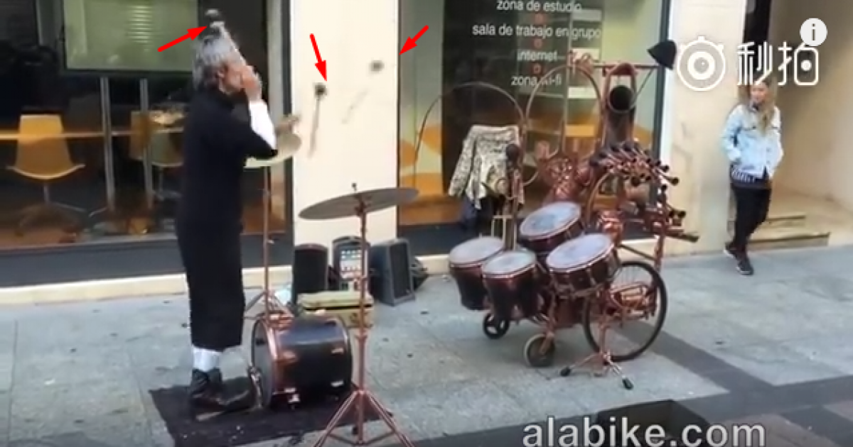 This Old Man Is Probably The World's Greatest Drummer Who Can Play Two Set Drums Just Tossing Drumsticks.