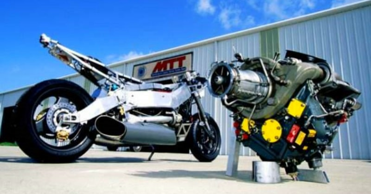 Road Legal Helicopter Engine Powered Motorcycle 'MTT Y2K 420RR' That Break Record Speeding 227 MPH.