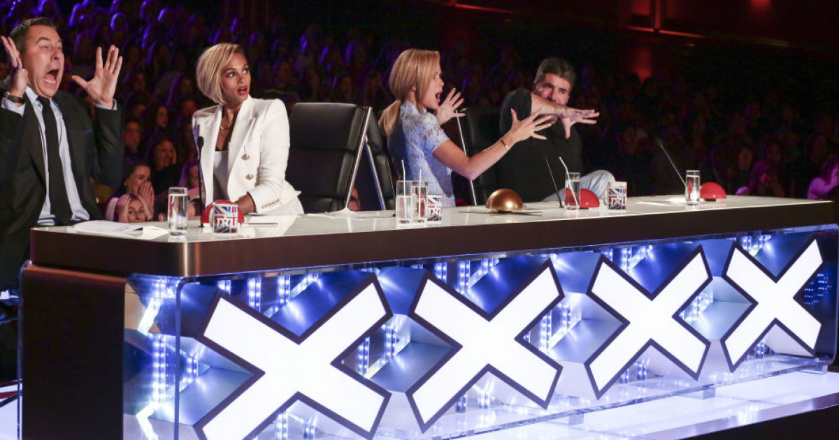 """Man Climbs On A Long Vertical Ladder Without Any Support In """"American Got Talent""""."""