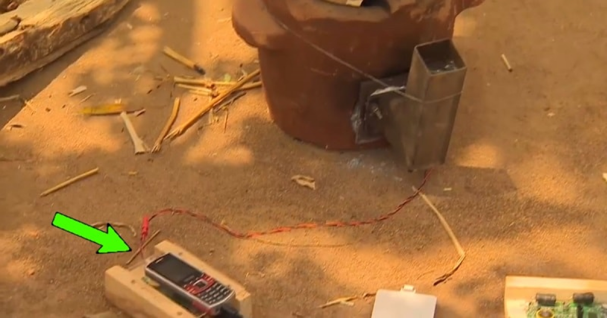 Charge Your Phone With A Mud Oven – Thermo Electric Generator.