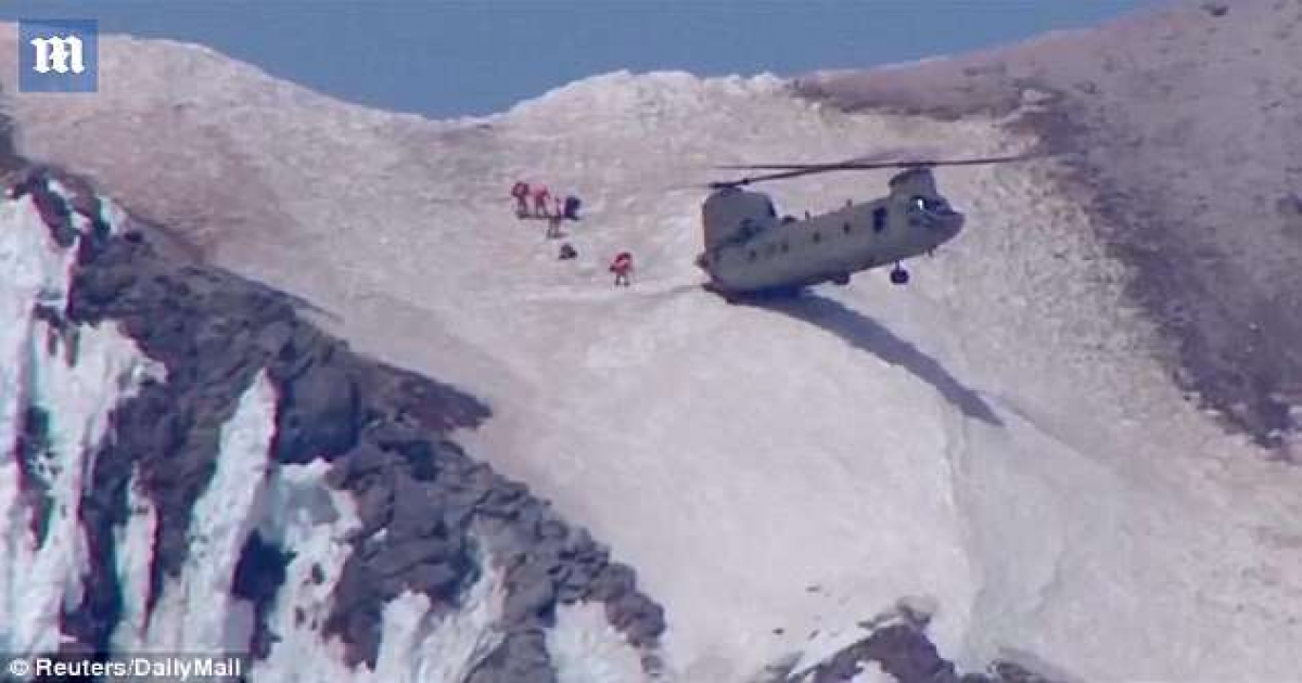 Chinook Pilot Pulls Off Death-defying 'Pinnacle Landing' On Mount Hood To Rescue Climber And Six Rescuers.