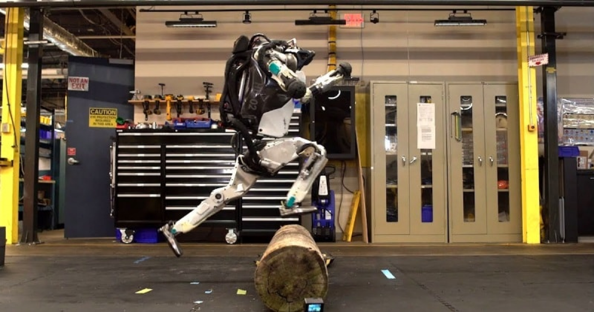 'Atlas' The World's Most Advanced Humanoid Robot Have Just Learned Parkour.