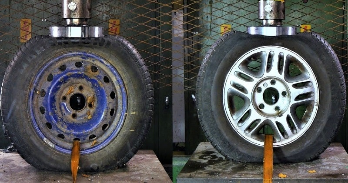 Steel Vs Alloy Wheels - Which One Is Stronger? Hydraulic Press Test.